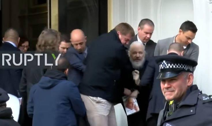 Το «αποκλειστικό» της σύλληψης του Τζούλιαν Ασάνζ, επιτυχία ενός μικρού πρακτορείου ειδήσεων